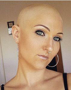 Bald Heads - Hairl Loss Tips Bald Head Girl, Bald Head Women, Shaved Head Women, Shaved Heads, Super Short Hair, Short Hair Cuts, Short Hair Styles, Girls Short Haircuts, Short Hairstyles For Women