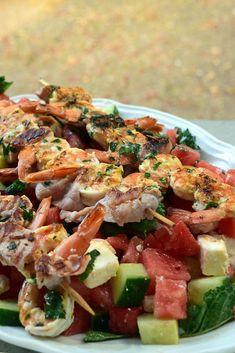Salade de pastèque, féta - Brochettes de crevettes au bacon