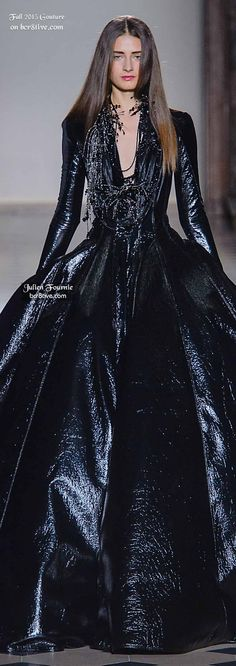 of the most creative and alluring couture fashions for Fall from designers that participate in Paris and Rome Fashion Week. Rome Fashion, Runway Fashion, High Fashion, Glamour, Women's Dresses, Julien Fournié, Haute Couture Fashion, Couture 2015, Couture Week