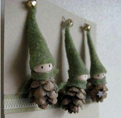 pine cone mistletoe | Pine cone elves