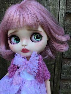 Arabella Beautiful OOAK custom Blythe