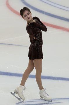 Анна Погорилая лидирует после короткой программы на Гран-при в Москве - Чемпионат
