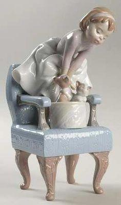 Porcelain Vs Bone China Vs Stoneware Info: 3400033011 Porcelain Dolls For Sale, Porcelain Jewelry, Porcelain Vase, Fine Porcelain, Art Nouveau, Hummel Figurines, Objet D'art, Sculpture, Bone China