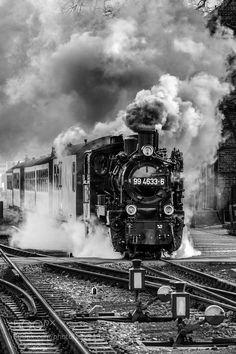 Steam train by Blendenmomente