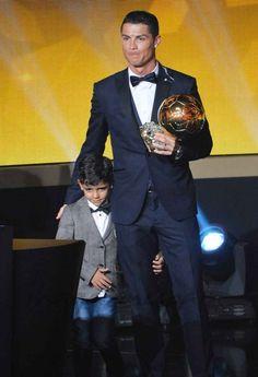 Cristiano-Ronaldo-con-su-hijo
