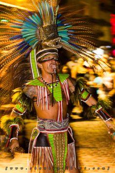 Danzantes Aztecas,  #Halloween en #PuertoVallarta Aztec Dancer