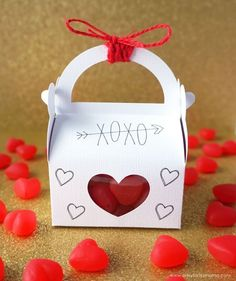 Surprise your Valentine with these easy-to-make Valentine's Day Treat Boxes made...#boxes #day #easytomake #surprise #treat #valentine #valentines Valentine Crafts For Kids, Valentines Day Treats, Valentine Gifts, Valentine Ideas, Valentines Surprise, Valentine Cupid, Valentine Party, Kids Crafts, Boxes