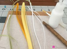 How to make simple quilling paper flowers - daffodils and buds, Quilled Paper Flower Bud