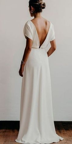 Simple Wedding Dress - I LOVE SIMPLE! There's something so elegant about an understated wedding gown 😍 Cute Wedding Dress, Modest Wedding Dresses, Wedding Bride, Wedding Ceremony, Perfect Wedding, Dresses Dresses, Modern Bridesmaid Dresses, Over 50 Wedding Dress, Cocktail Wedding Dress