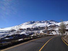 Centro de Ski Farellones en Santiago, Santiago Metropolita Mount Rainier, Skiing, Snow, Mountains, Nature, Travel, Saint James, Centre, Ski