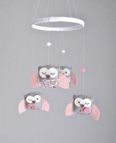 Movil lechuzas rosas combinadas para bebe | Feria Central