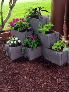 80 Awesome Spring Garden Ideas for Front Yard and Backyard DIY Garden Ideas. Garden Art, Garden Design, Planter Garden, Planter Ideas, Terrace Garden, Cinder Block Garden, Cinder Block Ideas, Garden Ideas With Cinder Blocks, Cinder Block Fire Pit