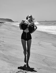 Vogue Mexico June 2017 Edita Vilkeviciute photographed by Chris Colls : fashion editorial fashion photography Source by samsonqchoi editorial Beach Editorial, Editorial Photography, Editorial Fashion, Fashion Photography, Photography 2017, Beach Photography, Edita Vilkeviciute, Foto Instagram, Swimwear Fashion