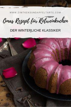 Omas beliebter Klassiker: weltbester Rotwein Gewürz-Gugelhupf - perfekt in der Winter- und Weihnachtszeit, super lecker, locker, schokoladig und würzig. Ganz einfaches und schnelles Rezept zum selber backen für Euren Sonntagskaffee, den Adventsteller oder das winterliche Brunch. #Gewürzkuchen #Gugelhupf #Rotweinkuchen #Rotwein #kuchen #lecker #Gewürze #einfach #Rezept #schnell #backen #winter #weihnachten Sausage, Beef, Super, Brunch, Foodblogger, Pie, German Language, Recipes, Cinnamon Cookies