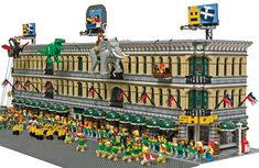 Lego Macy's Day Parade Very good idea to expand the existing Lego Modular Grand Emporium!