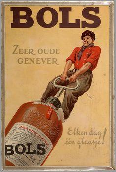 Bols gin jenever kruik zeer oude genever elken dag een glaasje.