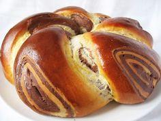 Ezt a kalácsot még régen E.Margit  oldalán tanultam, pici változtatásokkal azóta is gyakran sütöm, mindenki kedvence. Hozzávalók: 60 dkg BL... Baking And Pastry, Food And Drink, Cooking Recipes, Cupcakes, Sweets, Bread, Snacks, Cookies, Breakfast
