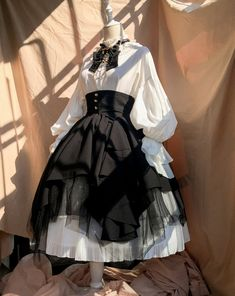Gothic Fashion 395402042288612240 - Time Temple -The Night Prayer- Vintage Gothic Lolita Skirt Source by abcassebresil Cosplay Outfits, Anime Outfits, Mode Outfits, Kawaii Fashion, Lolita Fashion, Cute Fashion, Gothic Fashion, Pretty Outfits, Pretty Dresses