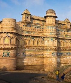 "Gwalior well known for Magnificent Gwalior Fort, popularly called ""the Gibraltar of India"". Jai Vilas Palace, Sas Bahu Ka Mandir are few from many places to visit in Gwalior. India Architecture, Futuristic Architecture, Ancient Architecture, India Colors, Madhya Pradesh, Beautiful Castles, Wedding Photoshoot, Photo Shoot, Tourism"