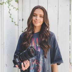 verrrrry happy that the warmer weather is here 🤗 after living by water and beautiful beaches all my life, i'm always craving beach days &… Jess Conte Instagram, Jessica Conte, Foto Casual, Wattpad, Girly Pictures, Cute Makeup, Photoshoot Inspiration, Pretty People, Celebs