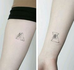 50 intense geometric tattoos designs and ideas for men and women - Tattoo-Ideen - Minimalist Tattoo Mini Tattoos, Trendy Tattoos, Sexy Tattoos, Body Art Tattoos, Small Tattoos, Tattoos For Women, Tatoos, Girly Tattoos, Geometric Tattoo Meaning