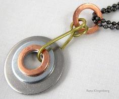 Mixed Metal Industrial Pendant Tutorial by Rena Klingenberg via Jewelry Making Journal Copper Jewelry, Wire Jewelry, Jewelry Crafts, Pendant Jewelry, Jewelry Ideas, Handmade Jewelry Tutorials, Hardware Jewelry, Best Friend Jewelry, Earring Tutorial