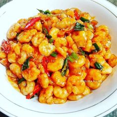 Resep masakan praktis sehari-hari Instagram Spicy Recipes, Cooking Recipes, Healthy Recipes, Shrimp Recipes, Cooking Time, Healthy Food, Amazing Food Hacks, Snap Food, Indonesian Cuisine