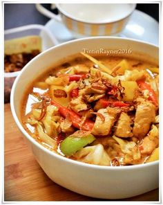 TONGSENG AYAM santan lezat Dutch Recipes, Asian Recipes, Cooking Recipes, Indonesian Cuisine, Indonesian Recipes, Indonesian Desserts, Malaysian Food, Grilled Meat, Food Dishes
