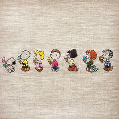 色を入れるところ、入れないところ、いつも悩みますが夏なのでカラフルに。 普段は15cmですが、今回は20cmのファブリックパネルに仕立てます。 * * #snoopy #peanuts #Schulz #charliebrown #sally #sallybrown… Diy Embroidery, Cross Stitch Embroidery, Embroidery Patterns, Snoopy Love, Snoopy And Woodstock, Snoopy Wallpaper, Cartoon Wallpaper, Cartoon Pics, Cute Cartoon