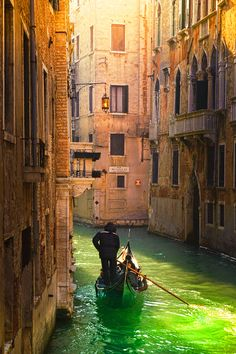 Venice Canal with Green Water – Amazing Pictures - Amazing Travel Pictures with Maps for All Around the World