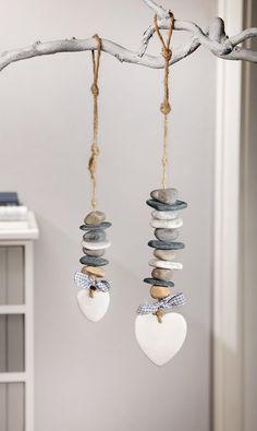 """Deco-Hanger """"Steinherz"""", set of 2 – # # DekoHänger … - Home Page Driftwood Crafts, Seashell Crafts, Beach Crafts, Stone Crafts, Rock Crafts, Diy Crafts, Nature Crafts, Beach Art, Pebble Art"""