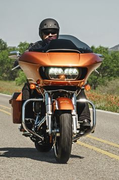 The best gift does not fit under a tree. | Harley-Davidson Road Glide