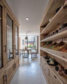 The dream kitchen storage 😍 Kitchen Pantry Design, Kitchen Interior, Home Interior Design, Kitchen Decor, Kitchen Storage, Pantry Shelving, Big Kitchen, Open Shelving, Kitchen Ideas