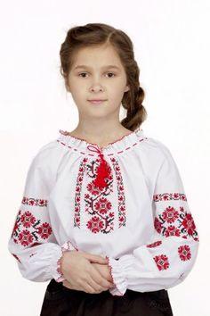 Вишиванка для дівчинки «Устина» – абсолютно традиційне рішення як на свято 22f35b0ec1a59