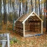 Pallet shed for the lawnmower, weedwacker and outdoor tools