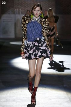 Dsquared2 Women Spring Summer 2017 - Look 33. #D2ynasty #Dsquared2 #SS17 #MFW #Womenswear #TeddyQuinlivan