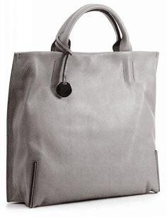 And 7, leren damestas met twee hengsels, de tas heeft magneetsluiting.