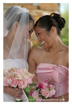 Pink bridal and bridesmaid bouquets - by Heather Murdock of The Blue Orchid