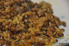 מג'דרה דרוזית דומה מאוד למג'דרה הרגילה שאנחנו מכירים - רק שבמקום אורז משתמשים בבורגול. הטעם הוא כמובן נהדר ביותר ומתאים לכל המשפחה. מג'דרה דרוזית מתאימה כתוספת לארוחות גדולות או כארוחת ערב בפני עצמה.