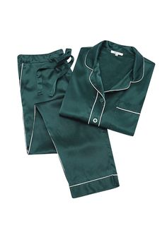 pyjama shirt is cut from silk-satin that feels luxuriously soft against your skin. This style has a dipped hem, classic nude. Satin Pyjama Set, Satin Pajamas, Pyjamas Silk, Pajamas For Teens, Pajamas Women, Cute Sleepwear, Cozy Pajamas, Womens Pyjama Sets, Techniques Couture