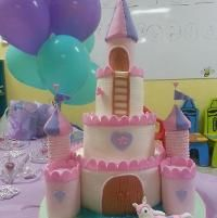 Join Craftsy's Cake Decorating Class: Design Your Own Castle Cake