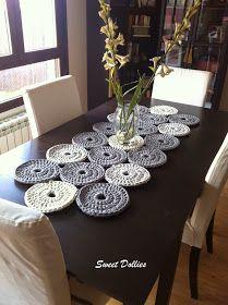 New crochet decoracion camino 60 ideas Crochet Home, Love Crochet, Crochet Gifts, Diy Crochet, Crochet Table Runner, Crochet Tablecloth, Crochet Doily Patterns, Crochet Doilies, Granny Square Pattern Free