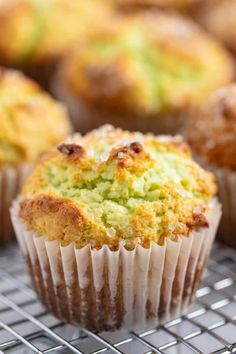 Bakery Style Pistachio Muffins These Pistachio Muffins taste like they came from a bakery with their perfectly domed tops and delicious pistachio flavor. Source by stayathomechef Pistachio Muffins, Pistachio Pudding, Baking Muffins, Jumbo Muffins, Donut Muffins, Donuts, Muffin Recipes, Bread Recipes, Chicken Recipes