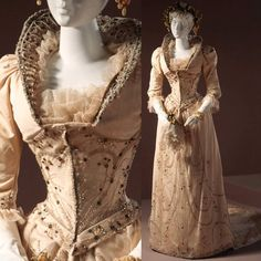 American wedding gown, 1891. LACMA. Very strong historical Renaissance influence! Such a unique collar.