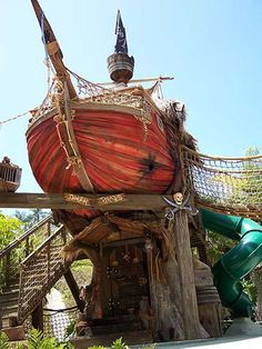 Custom Tree Houses - Custom: Danger, Pirates! - The theme is Victorian meets the Jungle via a Shipwreck.