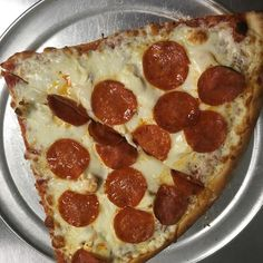 Two pep cream cheese anyone? It's time to make lunch plans! #fresh #pizza #nomnom https://www.instagram.com/p/BPxi3cblHpa/ via http://lazzarispizzasouth.com/36152