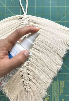 8 beginner macrame projects other than wall hanging Macrame Design, Macrame Art, Macrame Projects, Macrame Knots, Macrame Wall Hanging Patterns, Macrame Patterns, Quilt Patterns, Art Macramé, Fabric Shears