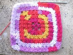 Cluster Granny Square - Crochet Tutorial - YouTube