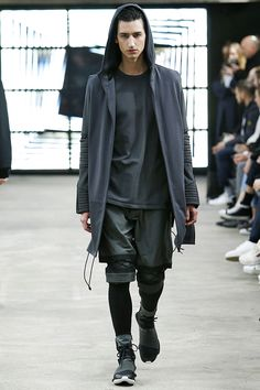 See the complete Y-3 Fall 2016 Menswear collection.