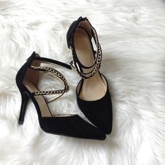 """✂SALE✂️  Black chain strap heels Brand new, Pointed toe heels featuring criss cross straps with chain link embellishment, an elastic ankle strap and back zipper closure. Faux suede, 4"""" heels. True to size Shoe republic Shoes Heels"""